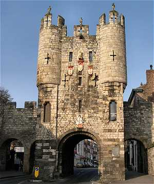 Picture of Micklegate Bar at 6pm in the early evening light.
