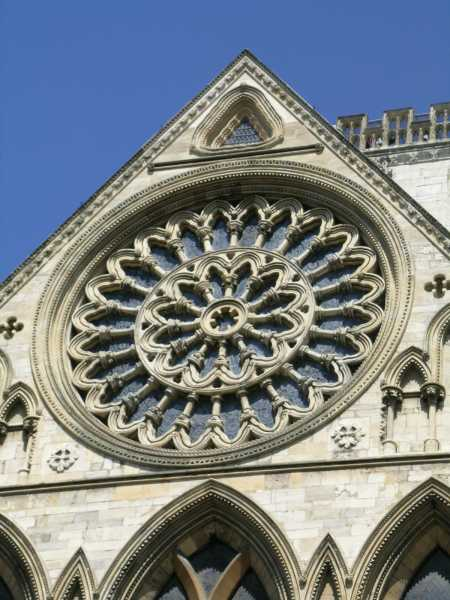 South transept of york minster main entrance for Rose window york minster